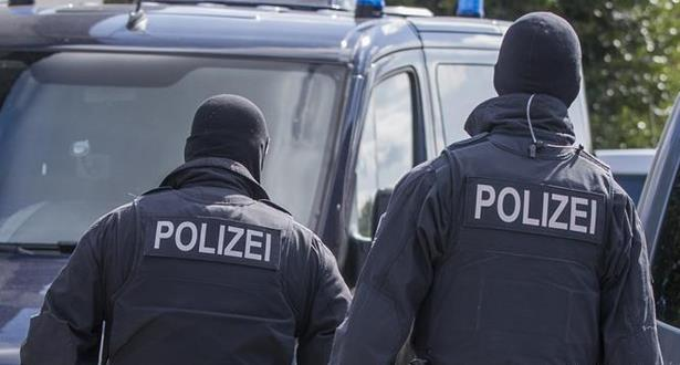 اعتقال شخصين