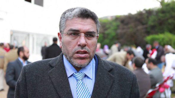 وزير حقوق الإنسان يطرد خمسة أعوان من الوزارة ليغطي أجور خادمات بيته الفخم