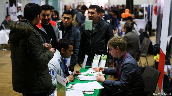 ألمانيا تسرع إجراءات جلب العمال من الخارج