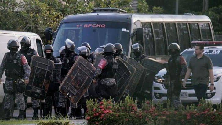 حرب عصابات داخل سحن يودي بحياة العشرات