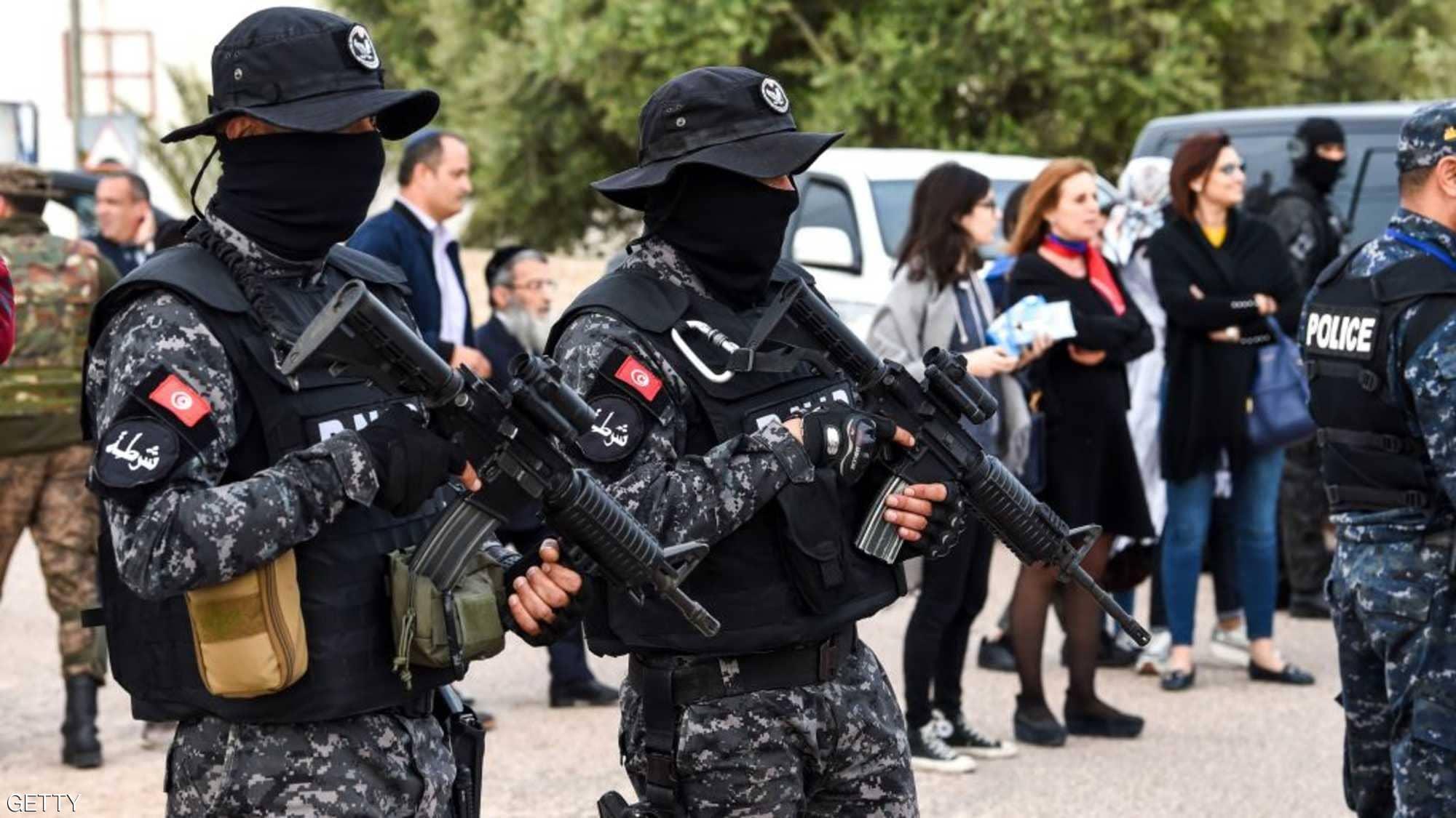 تونس: مقتل سائح فرنسي وإصابة عسكري في عملية طعن