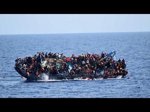 مصرع 40 مهاجرا في حادث غرق قارب قبالة الشواطئ الليبية