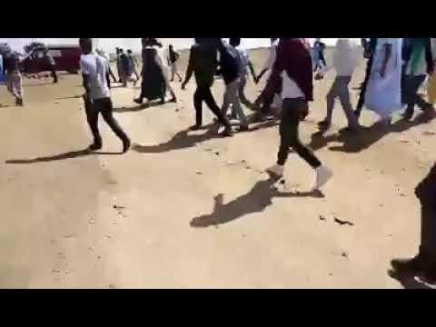 تندوف..صراع بالأسلحة الرشاشة بين قبليتين ينذر بتفجر الوضع داخل البوليساريو+ فيديو