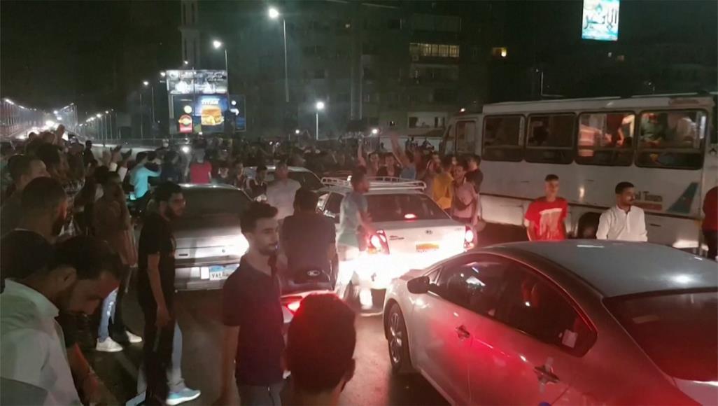 مظاهرات حاشدة بمصر تطالب برحيل السيسي وللإعتصام ..