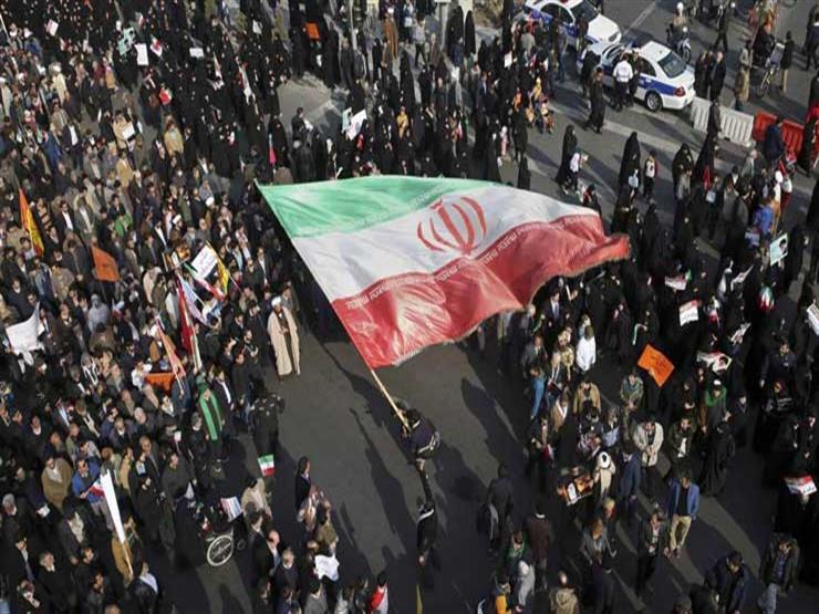إيران..احتجاجات وسط طهران و الشرطة تفرق المظاهرات بالغاز المسيل للدموع