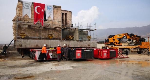تركيا تنقل مسجدا