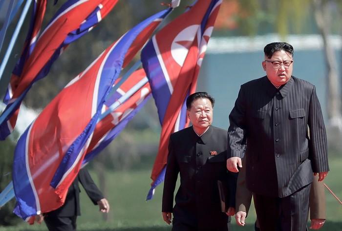 زعيم كوريا الشمالية لا يزال يسيطر بالكامل على الجيش