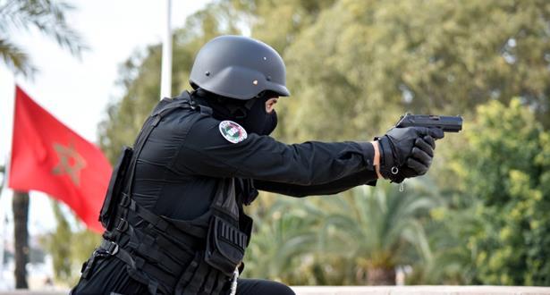 السلاح لتوقيف شخص يشتبه في تورطه في سرقة سيارة
