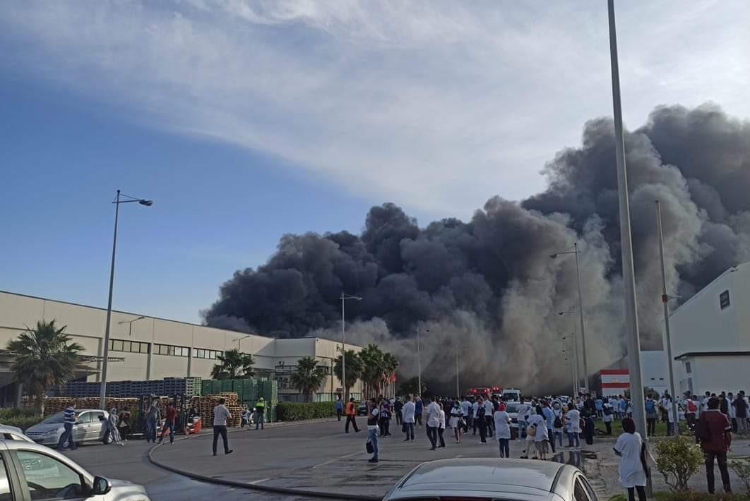 طنجة..حريق مهول يلتهم مصنعا للكابلاج