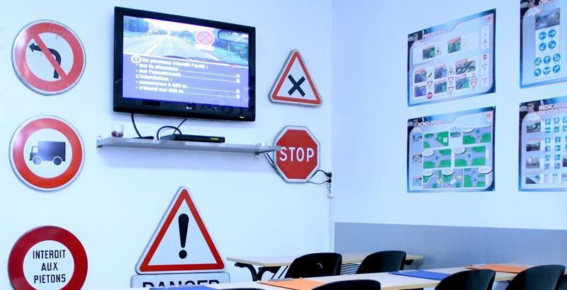 فتح النظام المعلوماتي الخاص بتدبير امتحانات نيل رخصة السياقة