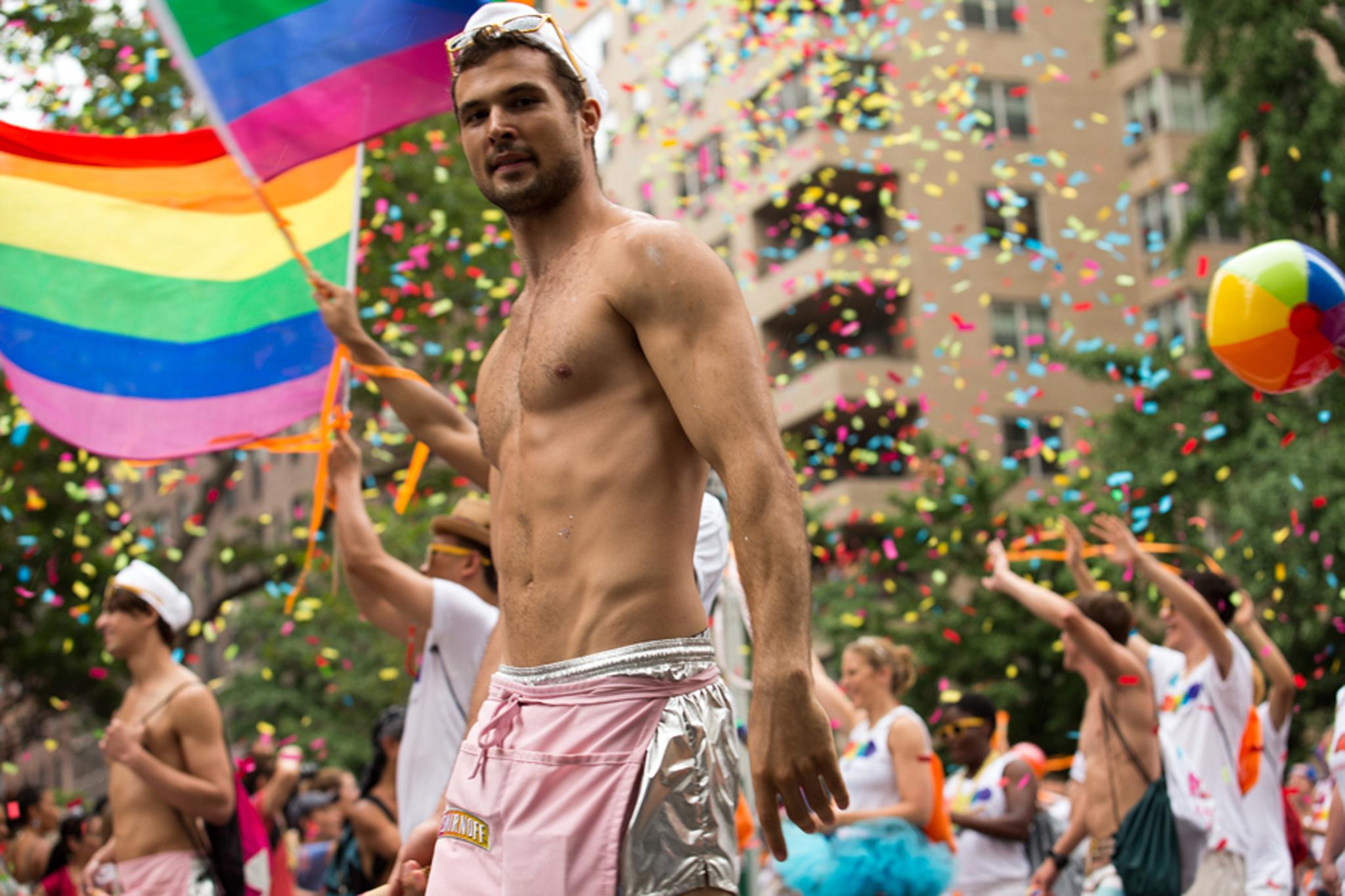 قتلى وجرحي في عملية دهس مسيرة للمثليين في فبوريدا