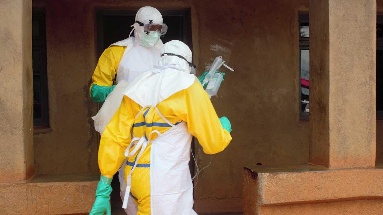 منظمة الصحة: وباء إيبولا يمكن أن يخرج عن نطاق السيطرة