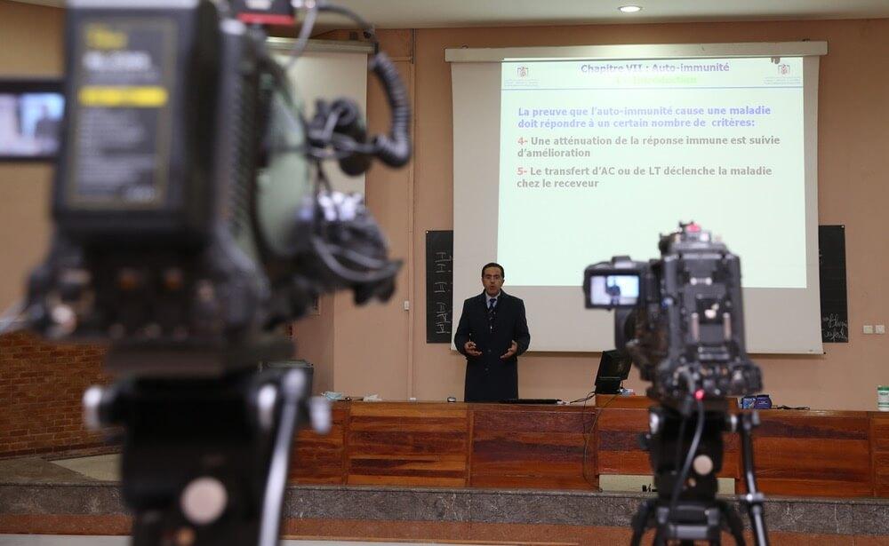 """المغرب.. الجامعة الوطنة للتعليم تعرب عن رفضها لـ """"التعليم عن بعد"""""""
