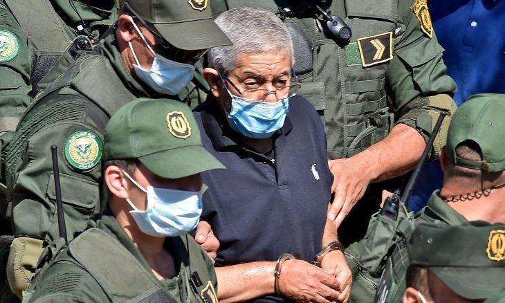 """الجزائر: نقل أويحيى إلى """"مؤسسة إعادة تربية"""" قرب المغرب"""