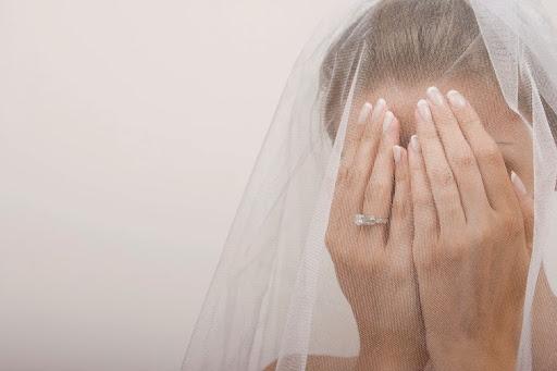 عروسة تقتل زوجها ليلة الدخلة بعد اكتشافها هذا الأمر!!!