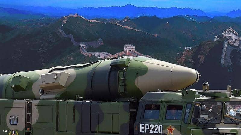 """الصين تطلق """"قاتل حاملات الطائرات"""" وتحذر الولايات المتحدة"""