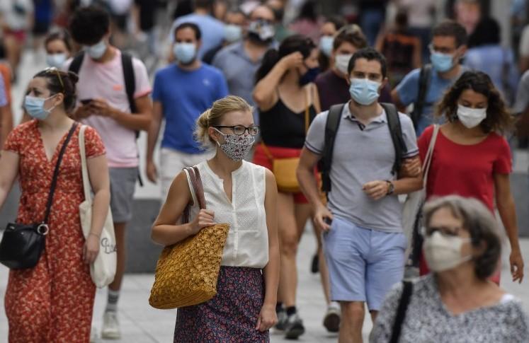 """منظمة الصحة العالمية تزفُ """"بيانات سارة"""" حول تفشي وباء كورونا"""