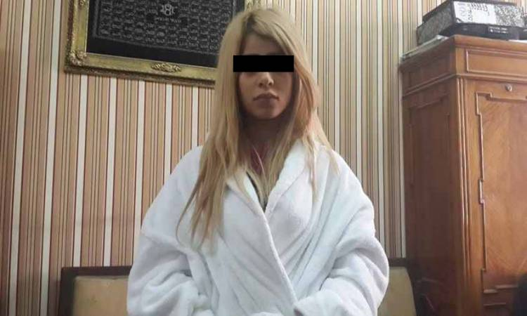 توقيف سيدة ظهرت في 73 فيديو و هي تمارس الرذيلة مع 12 شخصا..