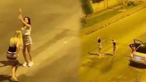 """فتيات بملابس قصيرة يتحدين قرار الحظر ويرقصن وسط الشارع """"فيديو"""""""