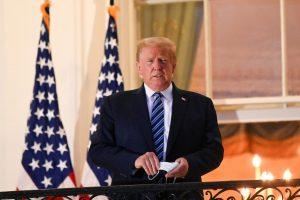 مسؤول أمريكي يكشف سراً عن علاج ترمب.. ولكن!