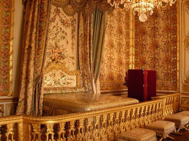 كم تكلف سرير الملكة إليزابيث؟ مفاجأة