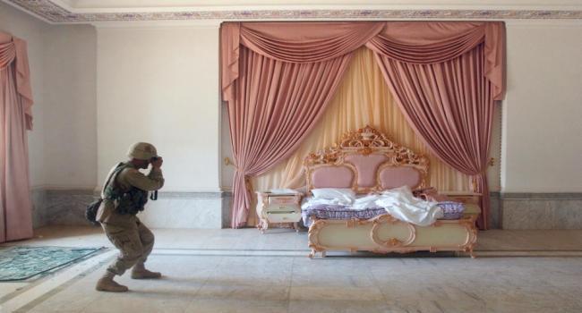 ممثلة شهيرة تفجر مفاجأة وتعترف: نمت في سرير صدام حسين وهذا ماوجدته في حمامه الخاص