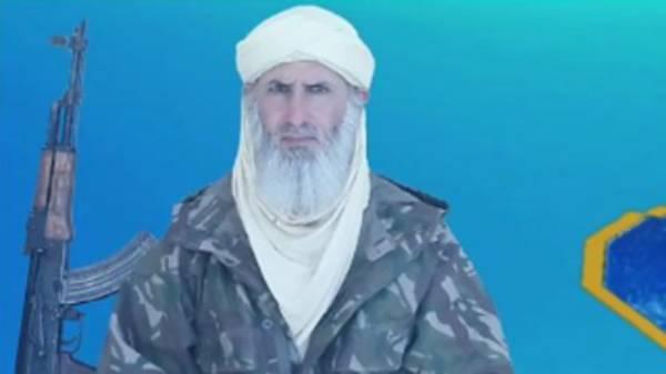 القاعدة ببلاد المغرب.. تبايع زعيما جديدا ظهر مرارا في فيديوهاته