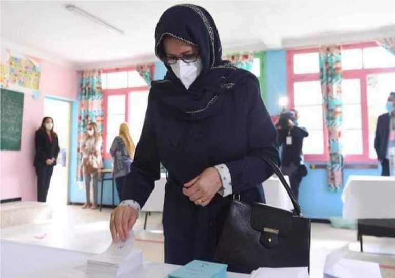 استفتاء الجزائر.. تبون أول رئيس جزائري يصوت بالوكالة