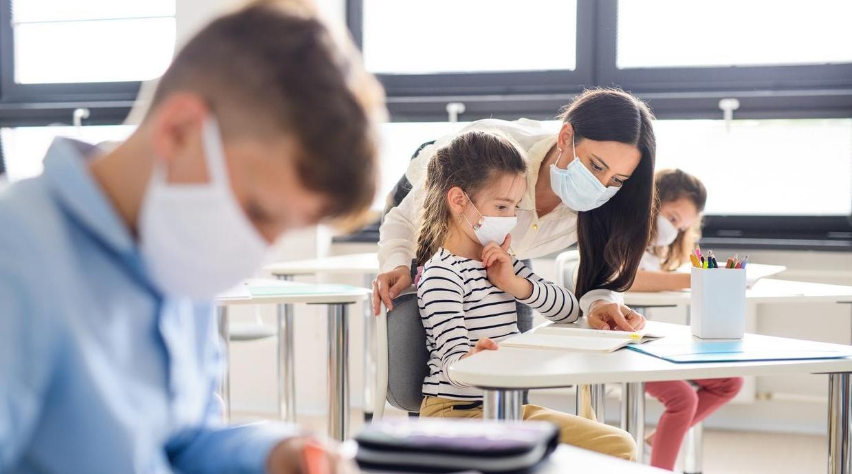 إجراءات التخفيف تساعد على الحد من تداعيات الجائحة لدى الأطفال (الكاتب العام لمرصد التنمية البشرية)