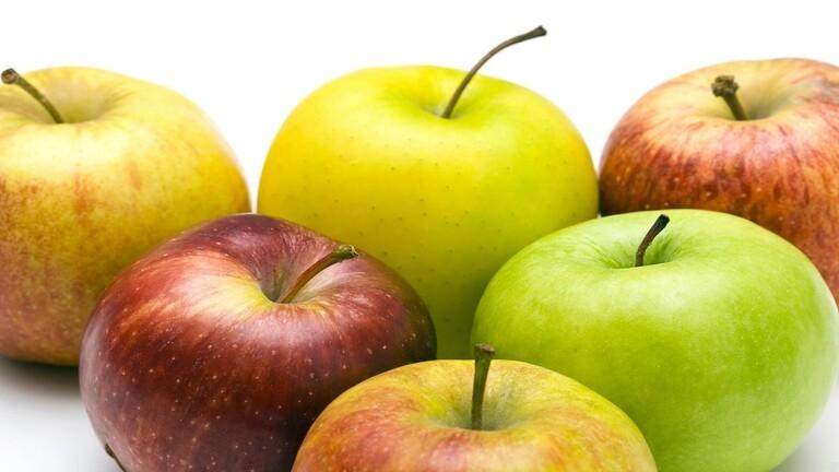 ماذا يحدث للجسم عند تناول التفاح يوميا؟