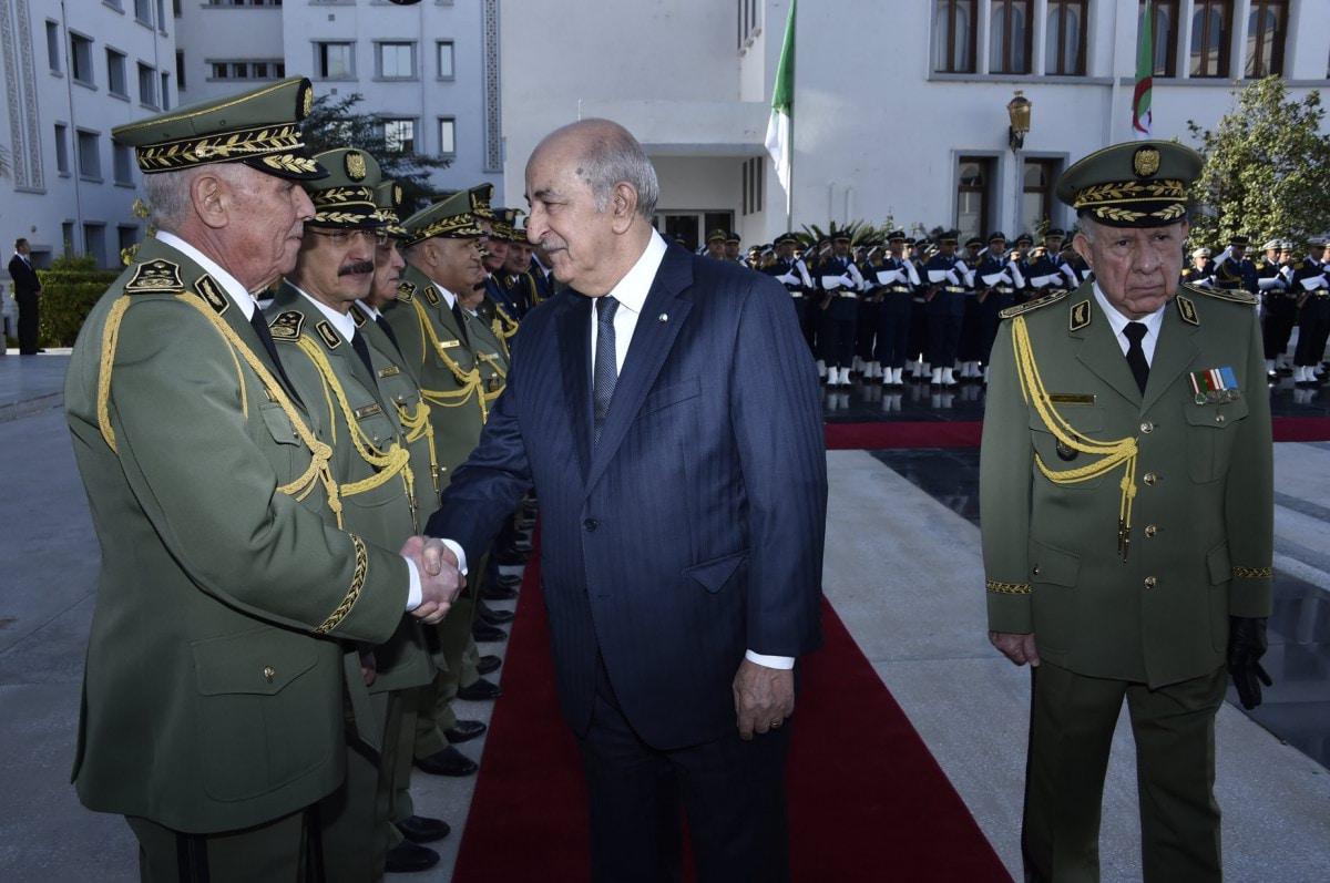رئيس الأركان الجزائري يرتب أوضاع الضباط المعزولين مع غموض مصير تبون