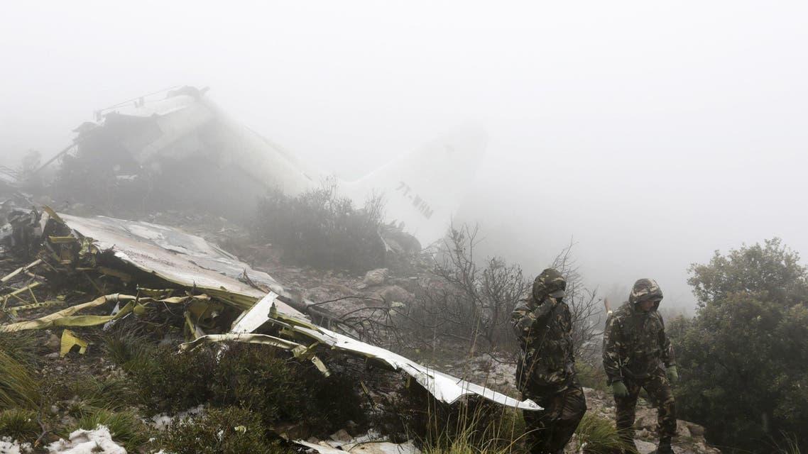 الجزائر..سقوط طائرة عسكرية قرب العاصمة تودي بحياة ملازم أول