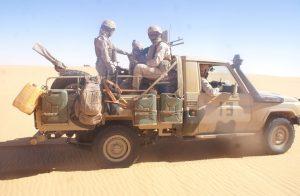 الجيش يدمر سيارة قرب الجدار الأمني بالصحراء المغربية