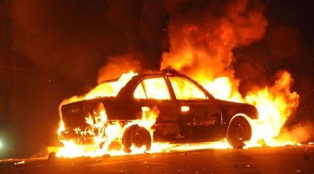 حريق بسيارة