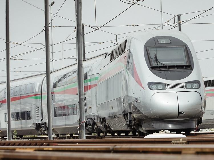 عاجل.. اضطراب في حركة سير القطارات بسبب سوء الأحوال الجوية