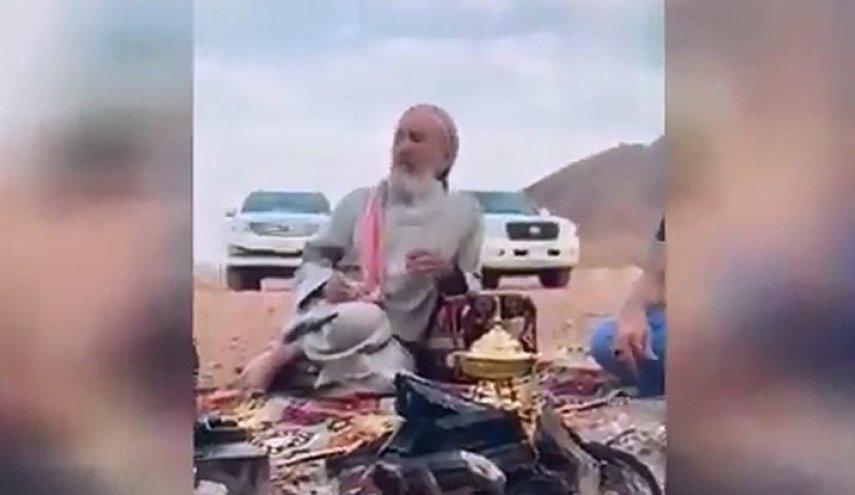 رجل لديه 10 أولاد ولم ير وجه زوجته حتى الان!