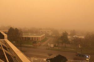 الرياح التي هبت مؤخرا على فرنسا حملت رمالا مشعة نوويا من صحراء الجزائر