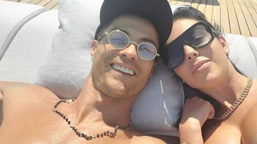 مجلة تكشف عن عشيق جورجينا قبل رونالدو وتفجر مفاجأة.. (صور)