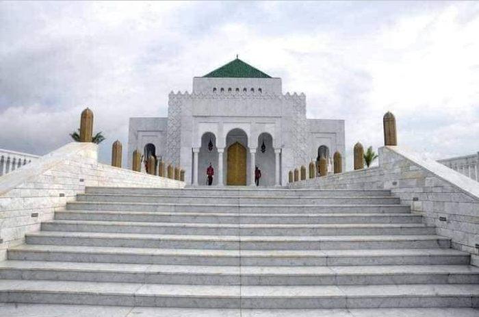 الرئيس الغابوني يبني لوالده الراحل ضريحا بمعمار مغربي