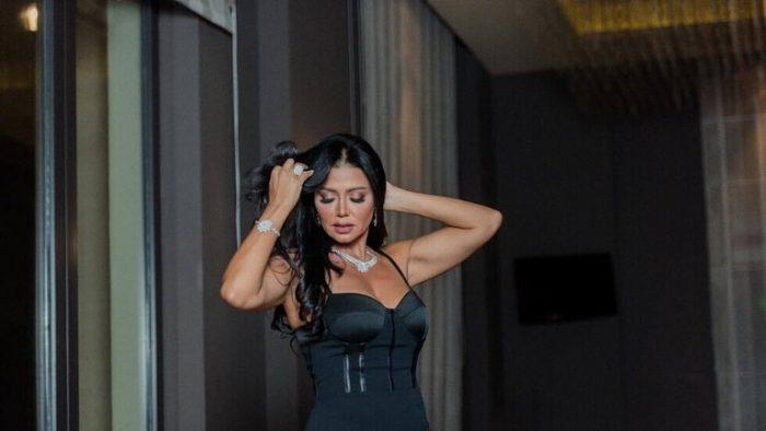 """فنانة مصرية أمام القضاء من جديد بتهمة """"ارتكاب الفعل الفاضح"""""""