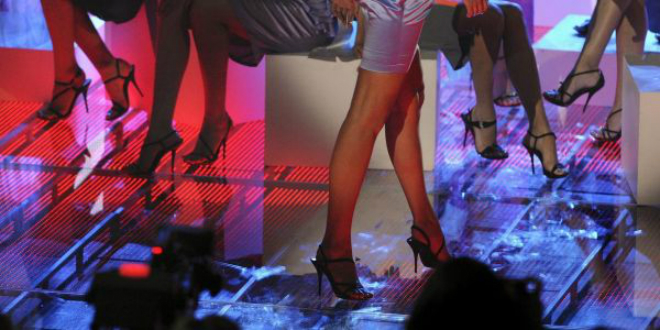 """""""الكوكايين الوردي"""".. معامل في اسبانيا تنتج مواد كيماوية خطيرة تهرب إلى المدمنين في المغرب"""