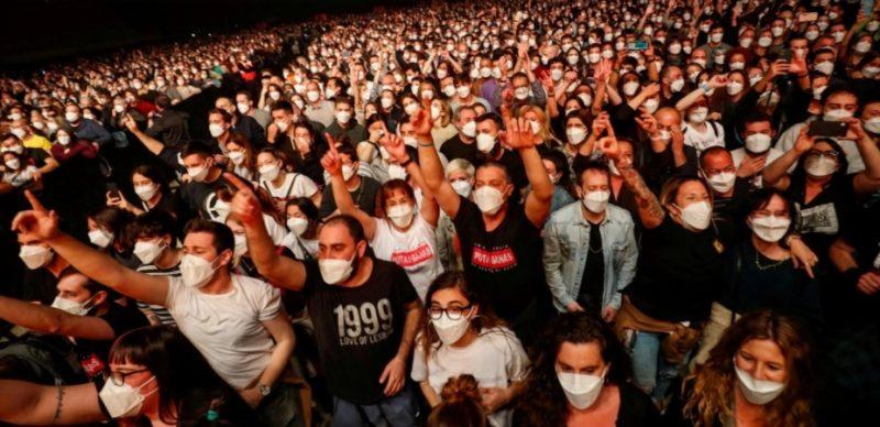 حفل ضم الآلاف بإسبانيا يعيد للأذهان مشاهد ما قبل جائحة كورونا