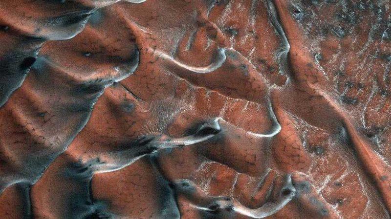 ناسا تنشر صورة تبهر الأبصار من الكوكب الأحمر