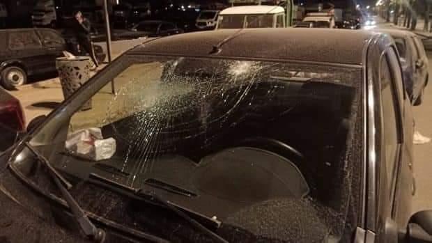 في عز رمضان وحظر التنقل الليلي.. عشرات الملثمين يخربون ويهشمون زجاج أكثر من 40 سيارة بالدار البيضاء