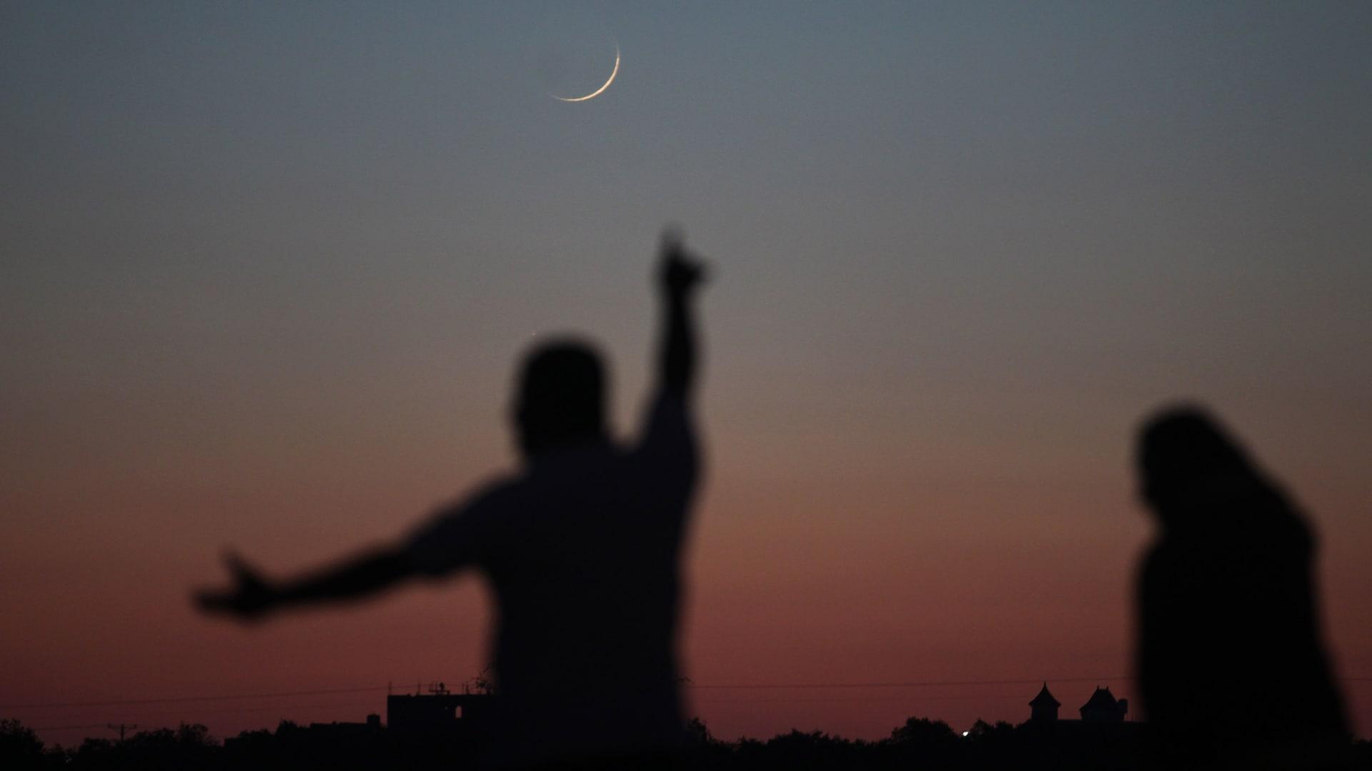 تعذر رؤية الهلال بالسعودية والمحكمة العليا تقرر اتمام عدة شهر شعبان