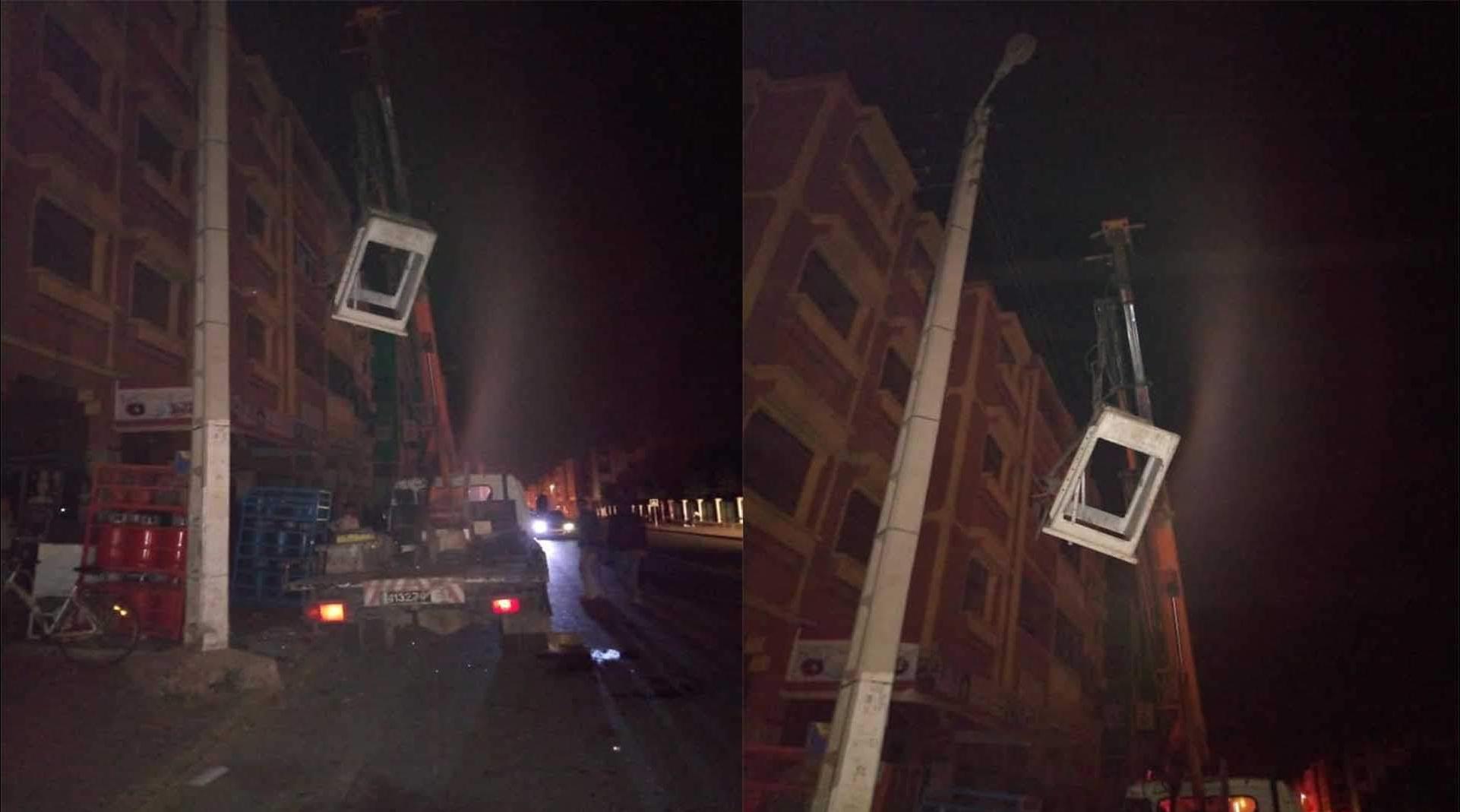 نقل عاملين بين الحياة والموت سقطا من رافعة شاحنة بايت ملول