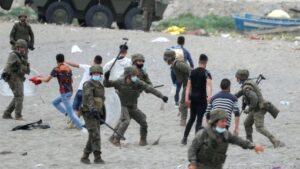 """الأمن الإسباني يضرب """"الحراكة"""" المغاربة"""