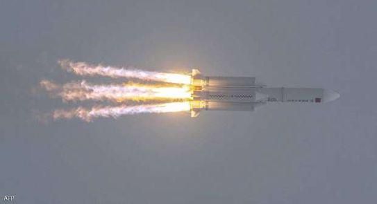 حطام الصاروخ الصيني يهوي إلى الأرض..
