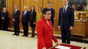 الحكومة الإسبانية تستشعر خطر الأزمة الدبلوماسية مع المغرب على مصالحها وتتجه للتضحية بالوزيرتين المسؤولتين عن فضيحة زعيم البوليساريو