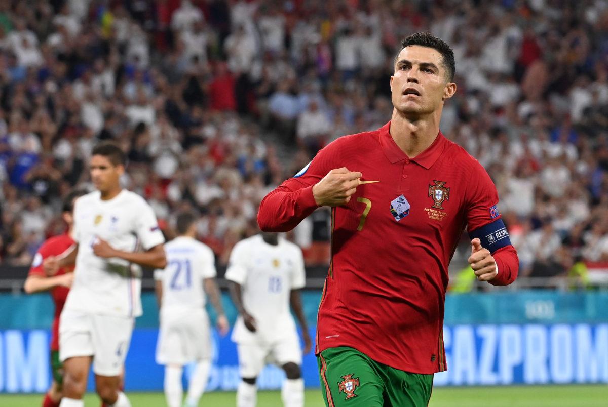 رونالدو قد يدخل التاريخ في عالم كرة القدم الليلة